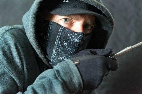 Burglar-Break-in