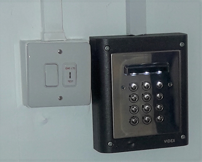 Ongar school security keypad